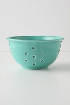 love this colander.  i want one in every color they have. :)