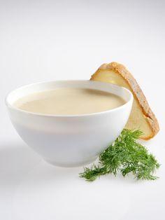 5 recettes de soupe détox - Grazia  4 endives, 200 g de champignons de Paris, 2 gros oignons, 1 cuillère à soupe d'huile d'olive, 1 cuillère à soupe de Maïzena, 1 cube de bouillon de volaille, quelques brins de persil, sel, poivre.