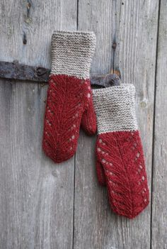 """Lacemittens """"Hilda"""" by Kristi Everst My name is Kristi and i live in a small country with a rough climate –Estonia. I believe that the weather here is made for knitting and that there's nothing bet… Knitted Mittens Pattern, Crochet Mittens, Knitting Patterns Free, Free Knitting, Crochet Pattern, Knitted Hats, Knit Crochet, Free Pattern, Knitting Needles"""