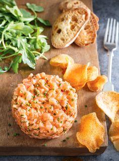 Salmon Tartare (The Best) - Comfort Food Recipes Salmon Recipes, Fish Recipes, Seafood Recipes, Cooking Recipes, Healthy Recipes, Protein Recipes, Salmon Tartare, Ricardo Recipe, Comfort Food