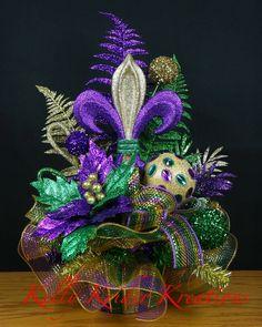 Mardi Gras centerpiece by Kelly Krider