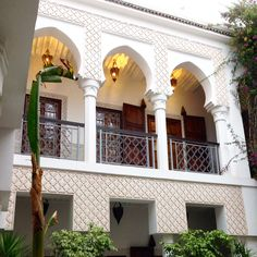 Architecture Old, Beautiful Architecture, Home Design Decor, House Design, Morrocan House, Exterior Design, Interior And Exterior, Moroccan Interiors, Patio Roof