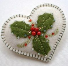 Flowers fabric christmas gifts Super ideas Flowers fabric christmas gifts Super ideasYou can find Felt christmas decorations and . Felt Christmas Decorations, Christmas Ornaments To Make, Christmas Sewing, Christmas Embroidery, Christmas Makes, Christmas Projects, Handmade Christmas, Holiday Crafts, Winter Christmas