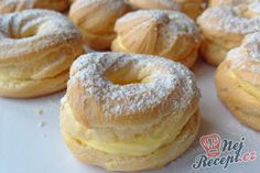192 z Czech Desserts, My Favorite Food, Favorite Recipes, A Food, Food And Drink, Czech Recipes, Eclairs, Bagel, Doughnut
