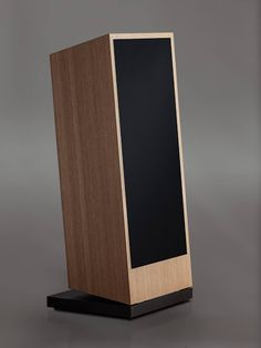 Mono and Stereo High-End Audio Magazine: New Trenner & Friedl Isis speakers - Entwurf Logitech Speakers, Audiophile Speakers, Hifi Audio, Stereo Speakers, Speaker Box Design, Audio Design, High End Audio, Loudspeaker, Product Design