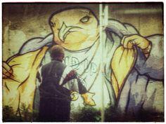 Looking at a graffiti   sf-streetphoto.com   #sf_streetphoto #iphoneography #iphonephotography #streetphotography Iphone Photography, My Images, Street Photography, Graffiti, Photo And Video, Painting, Instagram, Art, Art Background