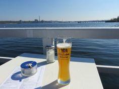 König Ludwig Weizenbier in der Seebar Kiel Beer Pictures, Beer Pics, Wheat Beer, All Beer, German Beer, Ludwig, Glass, Instagram, Drinking