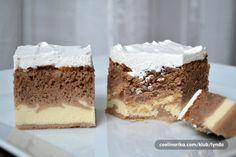 Šťavnatý jogurtový koláč, který si oblíbíte. Na vrchu krém z bílé čokolády.