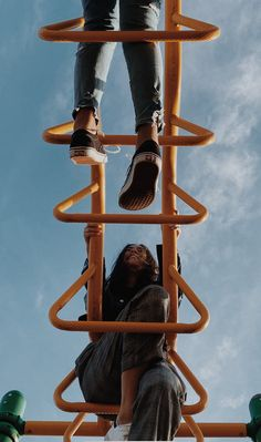 A perspective picture on the monkey bars on a play ground Playground Photo Shoot, Playground Photography, Playground Pictures, Cute Poses For Pictures, Cute Friend Pictures, Best Friend Pictures, Portrait Photography Poses, Creative Photography, Portraits