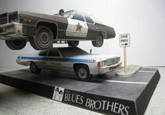 These two paper cars are 1974 and 1976 Dodge Monaco, a full-size car that was built and sold by Dodge, the paper models are created by Carta. Paper Model Car, Paper Car, Paper Toys, Paper Crafts, 3d Paper, Free Paper Models, The Blues Brothers, Paper Magic, Plastic Model Kits