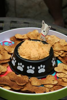 Throw an exceptional get-together for your children's birthday party with these 7 fascinating paw patrol party ideas. The thoughts must be convenient to those who become the true fans of Paw Patrol show. Dog Themed Parties, Puppy Birthday Parties, Puppy Party, Cat Birthday, Cat Party, Animal Birthday, Birthday Ideas, Fruit Birthday, Dog Parties