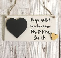 Wedding Countdown Plaque ~ Engagement Gift ~ Chalkboard Wedding Countdown ~ Wedding Countdown Sign ~ Bridal Shower ~ Wall Art & Home Décor Mr And Mrs Smith, Wedding Reception Food, Wedding Countdown, Chalkboard Wedding, Jute Twine, Etsy Uk, Wedding Stationary, Engagement Gifts, Handmade Wedding