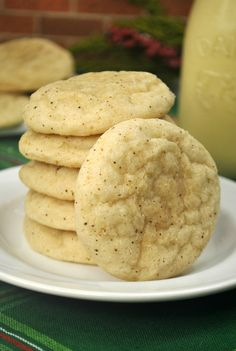 Melt In Your Mouth Eggnog Cookies - Recipes Me Cookie Desserts, Just Desserts, Cookie Recipes, Dessert Recipes, Cookie Tray, Dessert Bread, Health Desserts, Brownie Recipes, Bread Recipes