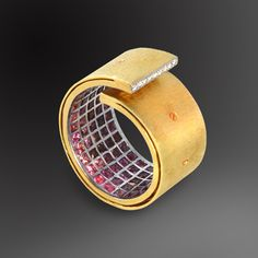 Ring | G.Kabirski. Gold, sapphires and diamonds
