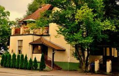 Hotel Pod Zamkiem Olsztyn Occupying a historical, heritage-listed building in Olsztyn's Old Town, Hotel Pod Zamkiem is located in a park and offers free parking and free Wi-Fi. Buffet breakfast is also complimentary.