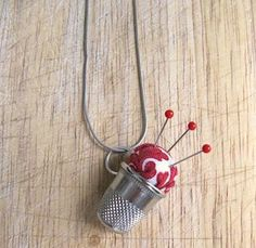 Tutorial: Pincushion and thimble necklace