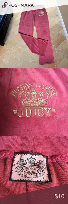 """JUICY COUTURE Dusty Rose Velour Waist: Stretches to 36"""" comfortably  Rise: 8.5"""" Inseam: 32.5"""" Condition: Excellent Juicy Couture Pants Track Pants & Joggers"""