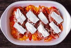 Spicy and Creamy Cajun Chicken with Bell Peppers - easy, lean, and healthy one-pan dinner! The chicken breasts are coated with the homemade Cajun seasoning and topped with cream cheese. Then, the chicken is oven-baked on top of the sliced bell peppers. Baked Cajun Chicken, Creamy Chicken Bake, Low Carb Chicken Recipes, Cashew Chicken, Chicken Parmesan Recipes, Garlic Chicken, Cooking Recipes, Delicious Dinner Recipes, Good Healthy Recipes
