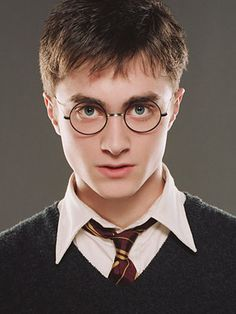 20 All-Time Coolest Heroes in Pop Culture - Harry Potter, Daniel Radcliffe - . - 20 All-Time Coolest Heroes in Pop Culture – Harry Potter, Daniel Radcliffe – - Harry Potter Tumblr, Harry James Potter, Harry Potter Anime, Magia Harry Potter, Harry Potter Pictures, Harry Potter Quotes, Harry Potter Characters, Harry Potter Books, Harry Potter Universal