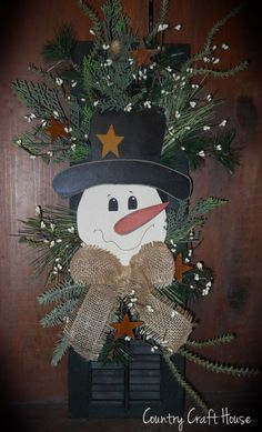 Snowman Shutter from~Country Craft House, simply adorable! Christmas Wood, Primitive Christmas, Christmas Signs, Country Christmas, Christmas Snowman, Christmas Projects, Winter Christmas, Christmas Holidays, Christmas Wreaths