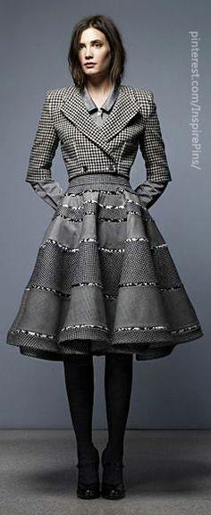 Thom Browne Pre-Fall 2020 Fashion Show - Vogue Look Fashion, Fashion Show, Womens Fashion, Fashion Design, Modern Fashion, Thom Browne, Fall Skirts, Look Chic, Catwalk
