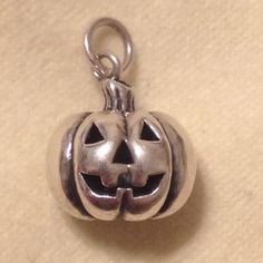 EXTREMELY RARE - Silver James Avery Retired Jack-O-Lantern Pumpkin 3-D Charm