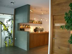Ideas de #Restaurante, estilo #Contemporaneo color  #Marron,  #Blanco,  #Gris, diseñado por Deco interiorismo  #CajonDeIdeas