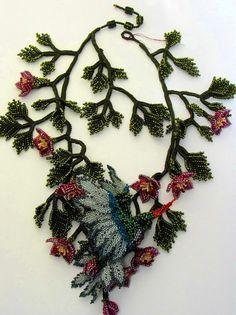 Beautiful floral beaded jewelry by Huib Petersen #beadedjewelry