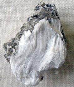 Crystal Photo Gallery: Asbestos