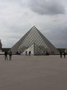 Flavour of the Minute The Minute, Louvre, France, Paris, Building, Travel, Montmartre Paris, Viajes, Buildings