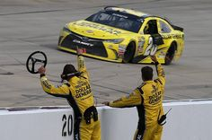 Recap: Kenseth reverses his fortune as Dover madness claims several contenders Nascar Live, Matt Kenseth, Kevin Harvick, Nascar Racing, Paint Schemes, Car Humor, Race Cars, Photo Galleries