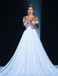 Oooi gente, hoje o post é especialmente para aquelas pessoas que gostam de coisas incríveis de se ver. Um post falando sobre o vestido que a Jennifer Lopez usou no American Idol. Confira https://francysrodrigues.wordpress.com/2015/03/27/o-magnifico-vestido-de-jennifer-lopez-usou-no-american-idol/