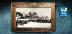 Bereits 1915 war der #Skisport auf dem #Feldberg etabliert! Auch ohne Liftanlagen war der Feldberg bereits ein beliebtes Ausflugsziel für begeisterte #Skiläufer, die auch damals schon im #FeldbergerHof einkehrten. Hier seht ihr ein Bild vom Seebuck aus dem 1915. Unser #Hotel befindet sich im Hintergrund.