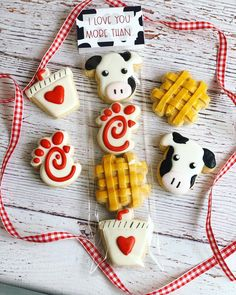 Chick fil-a mini cookies Cow Cookies, Mini Cookies, Flower Cookies, Easter Cookies, Cookie Bouquet, Baby Cookies, Heart Cookies, Valentine Cookies, 14th Birthday Cakes