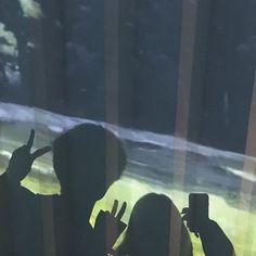 Best Friend Poses, Best Friend Pictures, Couple Pictures, Family Pictures, Boy And Girl Best Friends, Korean Best Friends, Best Friends Aesthetic, Couple Aesthetic, Cute Couples Photos