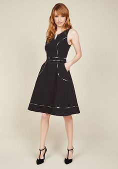 From wayfaring journalist to wondrous fashionista, this black dress exudes your expertise across the board. Part of our ModCloth namesake label, this pocketed frock features white-and-grey plaid piping, a notched neckline, and work-ready appeal that leaves you wanting to wear it on the job on the reg!
