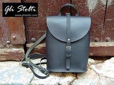 """Zainetto artigianale in cuoio lavorato e cucito a mano disponibile in vari colori """"Pixie"""". Vai al link per tutte le info: http://glistolti.shopmania.biz/compra/zainetto-in-cuoio-pixie-vari-colori-101 Gli Stolti Original Design. Handmade in Italy. #glistolti #moda #artigianato #madeinitaly #design #stile #roma #rome #shopping #fashion #handmade #style #cuoio #leather #estate #summer"""