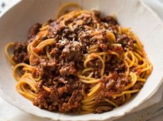 This Slow Cooker Spaghetti Bolognese is rich with a silky sauce and meat so tender it melts in your mouth. And the crock pot does all the hard work! Slow Cooker Lasagna, Slow Cooker Pasta, Slow Cooker Recipes, Crockpot Recipes, Spaghetti Bolognaise, Sauce Bolognaise, Entree Recipes, Sauce Recipes, Pasta Recipes