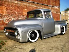 56 Ford F100 Satin Black | ford f 100 ano 1956 no estilo kustom ela tem pintura metálica e ...