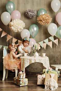 Best vintage party pictures photography first birthdays 31 ideas Vintage Party, Vintage Baby Mädchen, Vintage Birthday Parties, 1st Birthday Party For Girls, Girls Tea Party, Tea Party Birthday, Birthday Party Themes, Tea Parties, Vintage Tea