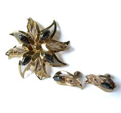 Vintage Sterling Amsel Brooch Earrings Screw by MargsMostlyVintage Diamond Jewelry, Gold Jewelry, Vintage Jewelry, Etsy Vintage, Vintage Items, Christmas Gifts For Men, Black Diamond, Independent Business, Jewelry Making