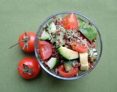 Quinoa-Avocado-Tomaten-Salate - vegan & reich an gesunden Fetten