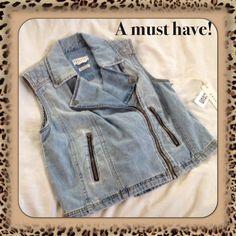 NWOT Denim Sleeveless Biker Jacket NWOT. Super trendy! Size large. Jackets & Coats