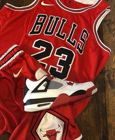 Nba Basketball, Chicago Bulls, Air Jordans, Nike Air, Kicks, Mj, Heel, Tops, Fashion