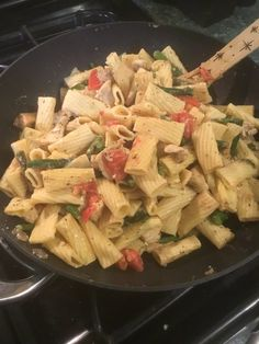 This Easy Pasta Dish Is Going To Make Your Heart Sing Chicken Penne, Easy Pasta Dishes, Best Chicken Recipes, Lunches, Pasta Salad, Make It Yourself, Drink, Heart, Simple
