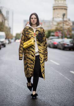 Felpa e giacca animalier (+ scarpe con pellicciotto) - CosmopolitanIT