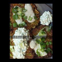 Es muss nicht immer Fleisch auf dem Teller sein. Unsere Gemüsepuffer sind eine tolle Alternative und machen definitiv satt. Für 1 – 2 Personen 1 kleine Zucchini (ca. 250gr) 1 Möhre 2 Eier 2 EL … Weiter lesen