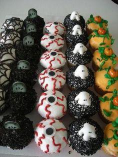 Halloween Cupcakes by aciendo