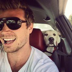 Backseat driver @adventureswithneptune #buckleup #postsurgery #puppylove