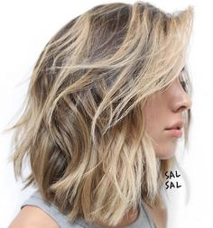 Short Haircuts for Thick Wavy Hair, We all have different types of hair. Some of us have thick hair, some of us wavy hair and some of us have strict straight hair. Medium Hair Cuts, Medium Hair Styles, Curly Hair Styles, Medium Thick Hair, Short Thick Hair, Layers For Thick Hair, Choppy Bob For Thick Hair, Straight Hair, Short Hairstyles For Thick Hair